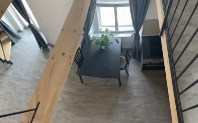 kuchyňský stůl z patra